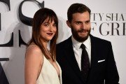Jamie Dornan and Dakota Johnson are reportedly announcing their pregnancy and engagement after