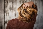 How to Stop Hair Loss with Natural Remedies