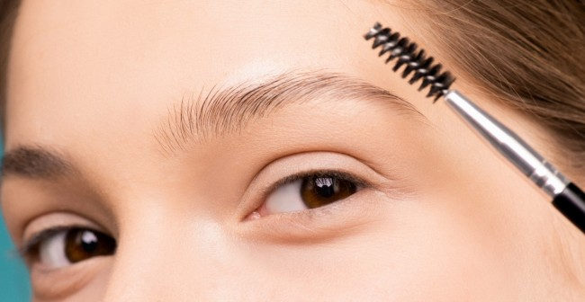 Brow Lamination: How To Achieve Full and Fluffy Brows At Home